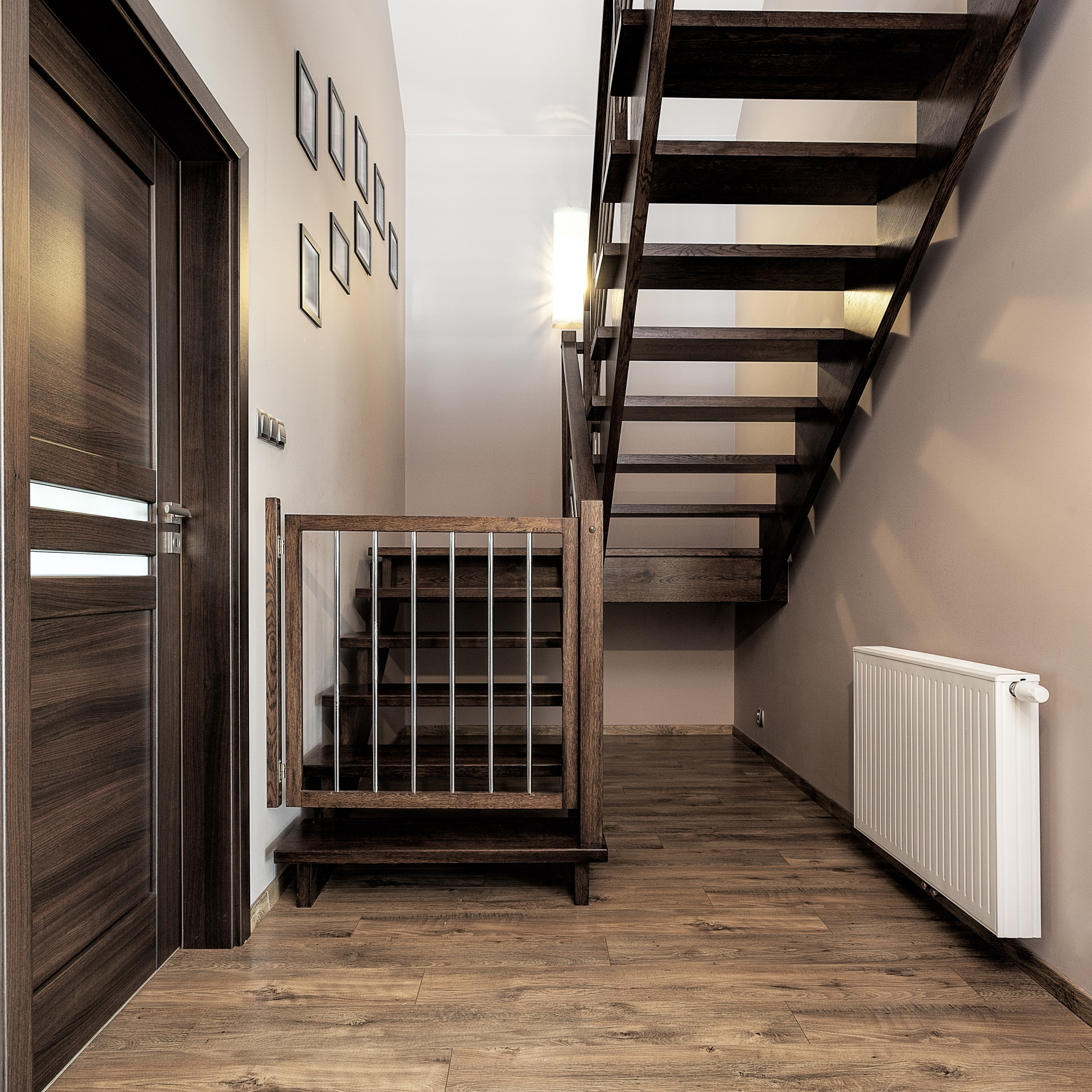 Want To Buy The Best Baby Gates For Stairs Here S An